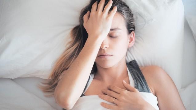 Migräne – für die Selbstmedikation gibt es nur wenige Präparate zur Auswahl. ( r / Foto: ALDECAstudio / stock.adobe.com)