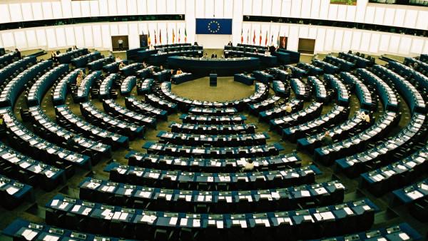 Europa-Parlamentarier fragen nach Rx-Versandverbot