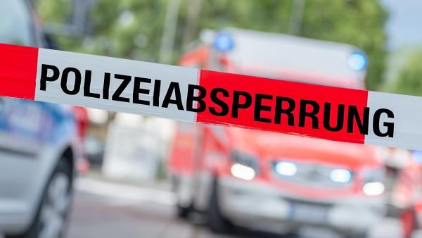 Schwerverletzter Mann stirbt neben Apotheke