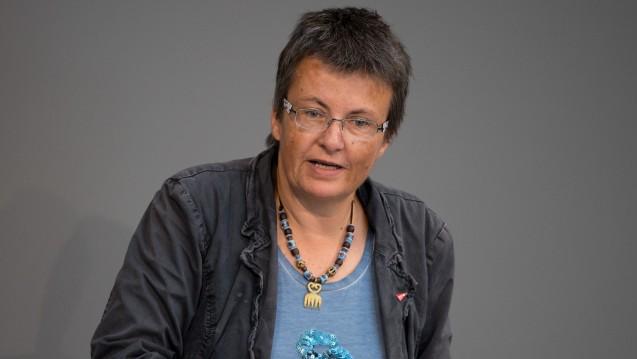 Fehlanreize beim Apothekenhonorar: Aus Sicht von Kathrin Vogler, gesundheitspolitische Sprecherin der Linksfraktion im Bundestag, sollte das Apothekenhonorar regelmäßig überprüft werden. Außerdem sollten Landapotheken besser unterstützt werden. (Foto: dpa)