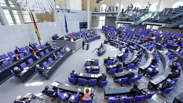 Bundestag beschließt neue Messlatten für Corona-Schutzmaßnahmen