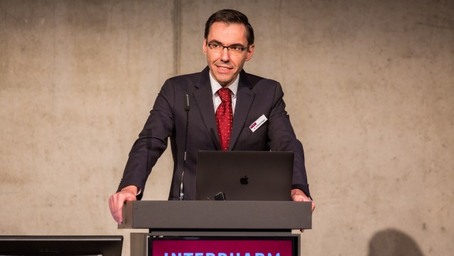 Dr. Andreas Ziegler eröffnet die Interpharm 2018. (Foto: Schelbert / DAZ.online)