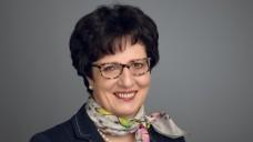 """""""Vorstellungsinterview"""" mit Ursula Funke zum Auftakt der ersten Kammerversammlung. (Foto: LAK Hessen)"""