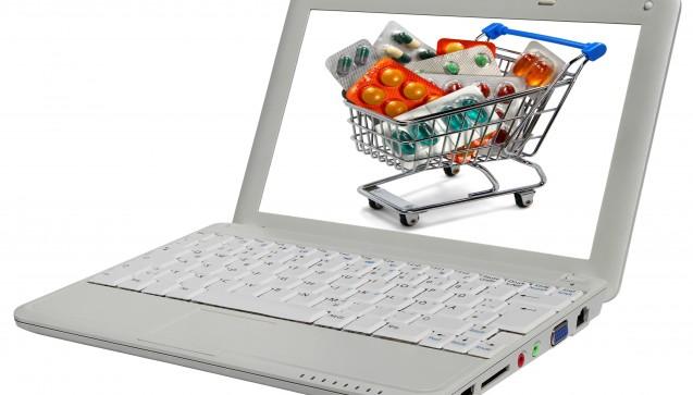 Arzneimittel gehören zu den Dingen, die zwei Drittel der Deutschen lieber vor Ort kaufen als im Internet. Das ist das Ergebnis einer Umfrage des E-Commerce-Verbands bevh und des Marktforschungsunternehmens Boniversum. In den letzten zwei Jahren ist die Zahl derer, die lieber online bestellen als in die Apotheke zu gehen, zudem leicht zurückgegangen.(Foto:babimu / Fotolia)