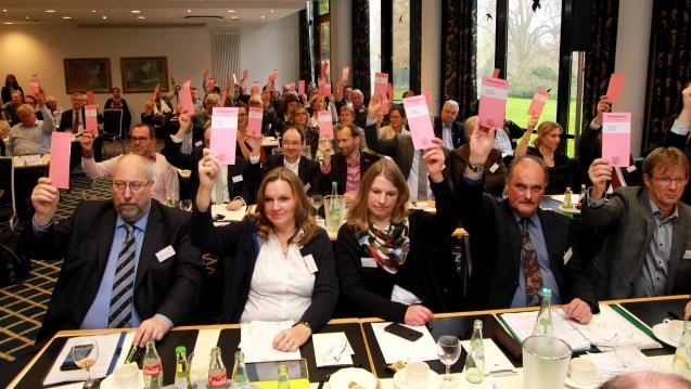 Die Delegiertenversammlung in Westfalen-Lippe, hier bei einer vorangegangenen Abstimmung, diskutierte auch über Zyto-Apotheker. (Foto: AKWL)