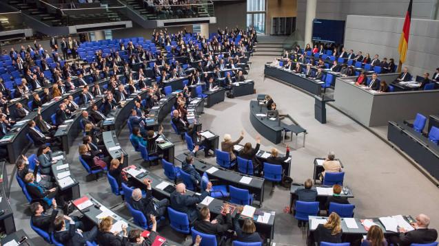 Der Bundestag hat sich einstimmig gegen die von der EU-Kommission geplante EU-Nutzenbewertung von Arzneimitteln ausgesprochen. (Foto: Imago)