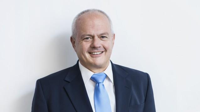 Wenig begeistert: BAK-Präsident Andreas Kiefer fordert den Gesetzgeber auf, die Apotheker spätestens bei der Erstellung des elektronischen Medikationsplanes zu beteiligen. (Foto: ABDA)