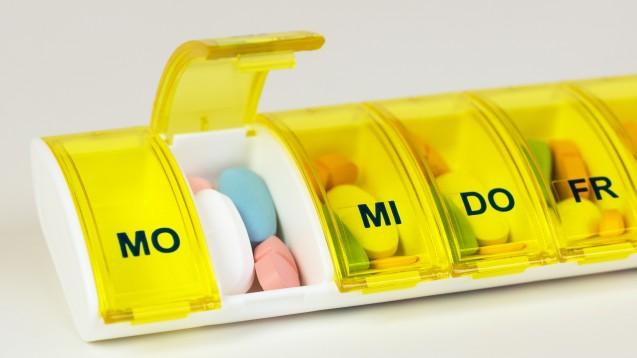 Welche Tablette nimmt der Patient wogegen? Apotheker helfen, den Wechselwirkungs-Überblick zu behalten. (Foto: Gundolf Renze / Fotolia)