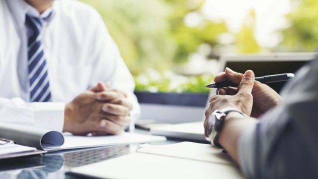 Was ist beim Kaufvertrag über eine Apotheke zu beachten? (x / Foto: boonchok / stock.adobe.com)