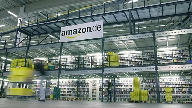 Von Logistikzentren wie diesem in Bad Hersfeld aus mischt Amazon Branche für Branche auf. (Foto: Amazon)