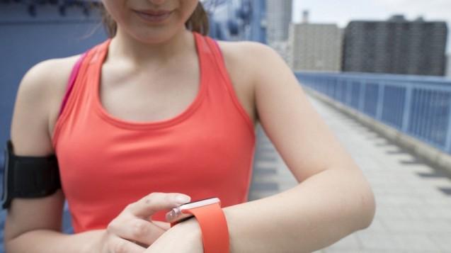 Bereits ein Drittel der Bevölkerung nutzt Apps, um die eigene Fitness zu kontrollieren.  (Foto: Monet / Fotolia)
