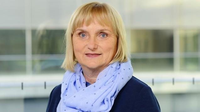 Die Grünen-Gesundheits- und Klimaexpertin Bettina Hoffmann erklärt im DAZ.online-Interview, dass sie für neue Regeln im Versandhandel einsteht, unter anderem eine gerechtere Steuerpolitik. Außerdem verlangt sie höhere CO2-Preise. (b/Foto: Grünen Bundestagsfraktion)