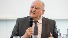 DAV-Chef Fritz Becker, hier bei der Interpharm, präsentierte beim parlamentarischen Abend der baden-württembergischen Apotheker in Berlin neue Forderungen der ABDA. (c / Foto: Schelbert)