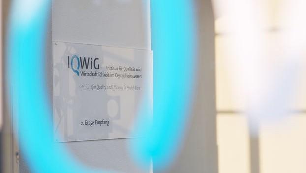 Nutzenbewertung: IQWiG und pharmazeutische Unternehmer haben oft unterschiedliche Maßstäbe beim Zusatznutzen des Patienten. (Foto: IQWiG)