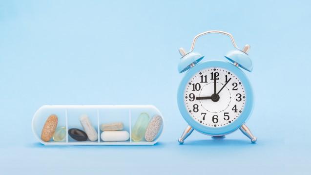 """Seit November 2020 steht zwar wesentlich häufiger als zuvor die Dosierung auf den Rezepten, aber leider gibt es auch im Januar 2021 immer noch einige Rezepte, auf denen überhaupt nichts vermerkt wurde und natürlich auch viele mit besagtem """"Dj"""". (c / Foto: Kat Ka / stock.adobe.com)"""