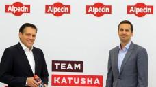 Dr. Wolff als Radsportsponsor : Eduard R. Dörrenberg, der geschäftsführender Gesellschafter bei Dr. Wolff und der Vorstand von Katusha-Alpecin Alexis Schoeb