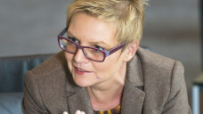 Sabine Dittmar, gesundheitspolitische Sprecherin der SPD-Bundestagsfraktion, hätte das Honorargutachten gerne im Gesundheitsausschuss besprochen, will der Union aber auch nicht widersprechen. (m / Foto: Külker)