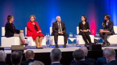 Kathrin Vogler (Linke), Maria Michalk (CDU), Andreas Kiefer und Cynthia Milz (v. l.) sind sich einig: Das Rx-Versandverbot muss kommen. (Foto: A. Schelbert)