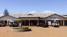 Das Foto zeigt das Wasso-Hospital im Norden Tansanias. Dort soll der Bau einer Apotheke die ambulante Arzneimittelversorgung verbessern. (Foto:APOTHEKER HELFEN e.V.)