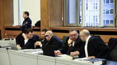 Der angeklagte Apotheker Peter S. lässt sich von vier Strafverteidigern vertreten, er selber schweigt bislang. (Foto: hfd / DAZ.online)