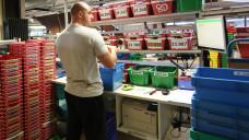 Rund 190 Beschäftigten des Hamburger Arzneimittel-Versenders Apo-Rot droht eine ungewisse berufliche Zukunft nach der DocMorris-Übernahme. (Foto: dpa)