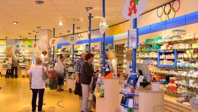 Auch die Inhaberin Birgit Lauterbach widmete sich den ersten Kunden.