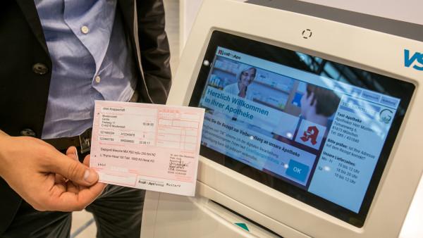 Digitale Rezeptsammelstelle eröffnet im Sparkassen-Foyer
