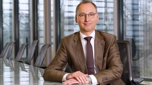 Strategiechef Baumann löst Dekkers bei Bayer ab