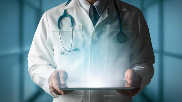 """Blick in die """"Kristallkugel"""":Wird es Zeit für eine neue medizinische Fachrichtung – """"the medical virtualist""""? (Foto:Björn Professional / adobe.stock.com)"""