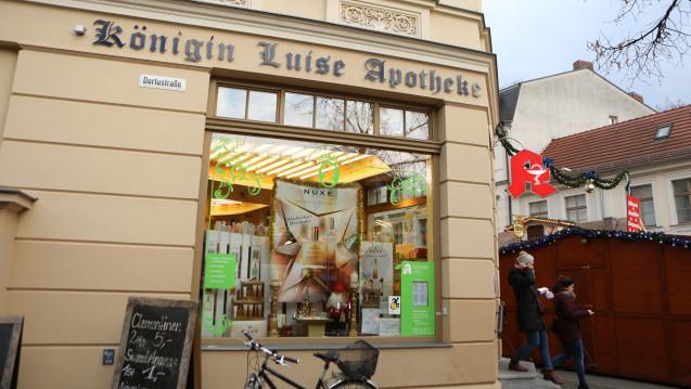Am vergangenen Freitag wurde in der Potsdamer Königin Luise Apotheke eine zündfähige Paketbombe abgegeben. (Foto: dpa)