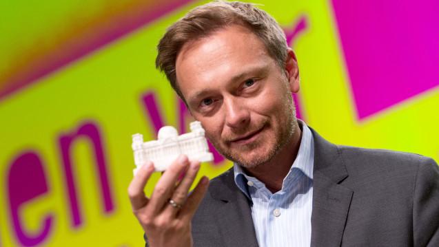 Auch ohne Apotheker in den Bundestag: FDP-Chef Christian Lindner erklärt in einem Interview, dass er nichts machen könne, wenn die Apotheker jetzt zur Linken abwanderten. (Foto: dpa)