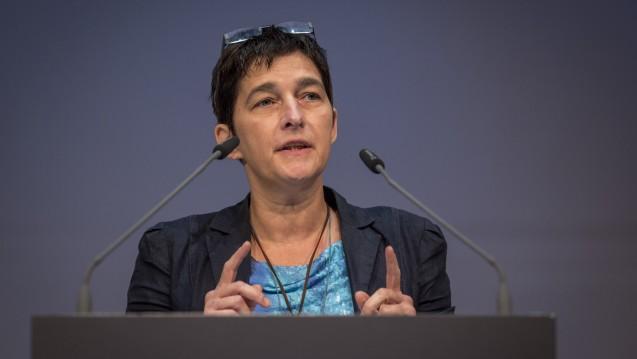 Barbara Steffens fordert eine stärkere multiprofessionelle Kultur, der Apotheker müsse mehr eingebunden werden. (Foto: A. Schelbert)