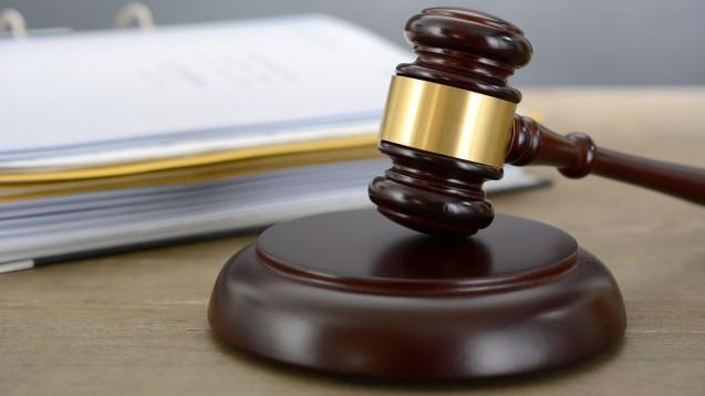 Eine erste zivilrechtliche Klage auf Aussonderungsrechte für betroffene Apotheken der AvP-Insolvenz wird angekündigt. (Foto: Dan Race / AdobeStock)