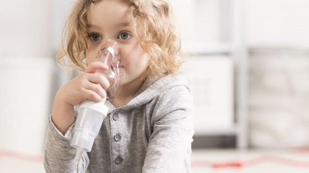 Nicht immer stößt die Inhalation von Arzneimitteln bei Kleinkindern auf protestfreie Akzeptanz. (Foto: Photographee.eu / Fotolia)