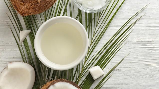 Grundsätzlich sollte eine gesunde Ernährung möglichst viele ungesättigte Fettsäuren enthalten. Diesen Anspruch kann Kokosöl auch in seiner nativen Variante nicht erfüllen. (Foto: New Africa / stock.adobe.com)