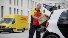 Bequem ins Auto: Die Versandapotheke Aponeo kooperiert mit dem Paketzusteller DHL und will noch in diesem Jahr den neuen Lieferservice ausprobieren. (Foto: DHL)