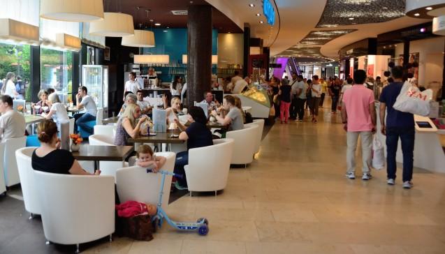 Am Samstagnachmittag war es im Einkaufszentrum etwas ruhiger als sonst. Verstärkte Security sollte für Sicherheit sorgen, Polizeikräfte waren jedoch nicht direkt sichtbar. (Foto: hfd / DAZ.online)