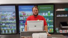 Simon Schuff hat als PTA Pharmazie studiert und möchte bald seine eigene Apotheke eröffnen. ( r / Foto: privat)