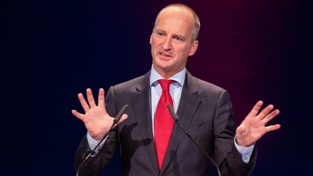 ABDA-Präsident Friedemann Schmidt merkt zum beschlossenen GKV-FKG an, dass die Apotheken für ihre Mühen bei den Lieferengpässen vergütet werden sollten. ( r / Foto: Schelbert)