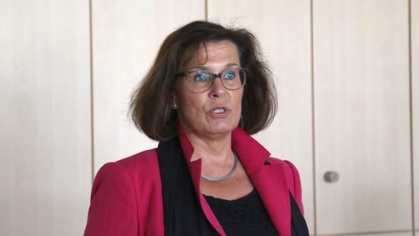 CDU-Abgeordnete verteidigt Apotheken vor Versandhandels-Kunden