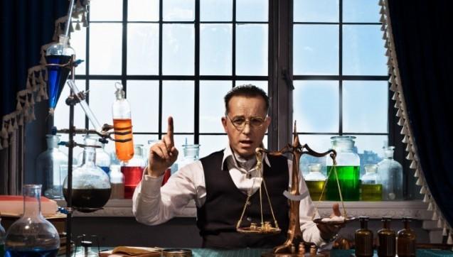 Manche Produkte in der Apotheke sind tückisch – nicht nur Patienten, auch Apotheker sind manchmal unsicher: Ist das ein Arzneimittel oder Medizinprodukt? Ist es verschreibungspflichtig? Welche Präparate bekommt der Patient ausschließlich in der Apotheke? Wie versiert sind Sie?Beantworten Sie diese Fragen zum rechtlichen Status von Arzneimitteln und erfahren, wie gut Sie in pharmazeutischem Recht bewandert sind!Viel Spaß! (Foto: razoomanetu / Fotolia)