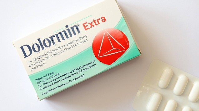 Ibuprofen bleibt knapp. Aktuell ist die Marke Dolormin von Lieferengpässen betroffen. ( r / Foto: imago images / Rene Traut)