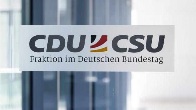 In einem aktuellen Positionspapier stellen Fachpolitiker der CDU/CSU-Bundestagsfraktion ihre Ideen für die Digitalisierung im Gesundheitswesen vor. (Foto: imago images / Christian Spicker)