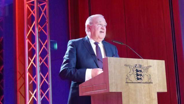 Fritz Becker begrüßte am Dienstagabend Bundestagsabgeordnete aus dem Ländle in der Landesvertretung Baden-Württemberg. (Foto: LAV Baden-Württemberg)
