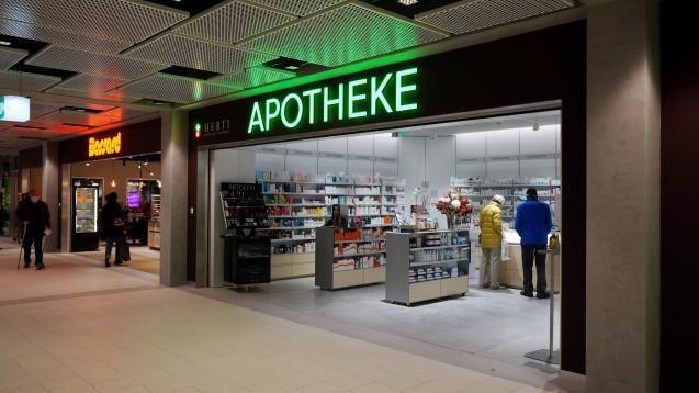Die Bekanntheit der Dienstleistungen von Apotheken in der Schweiz steigt einer Umfrage zufolge generell. (Foto: IMAGO / Geisser)