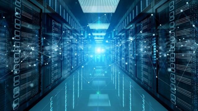 TI-Konnektor im Rechenzentrum statt in der Apotheke: Die Firma Redmedical bietet eine entsprechende Lösung an. (t/Foto:sdecoret /stock.adobe.com)