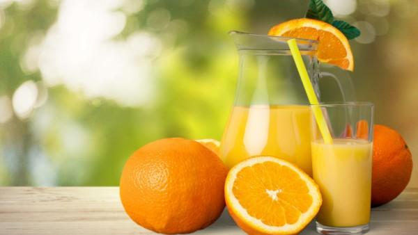 Verbessert Orangensaft die Gehirnfunktion?
