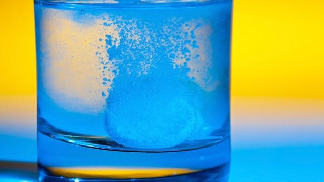 Ob Brause- oder normale Tablette: Die meisten Mono-Schmerzarzneimittel schneiden bei Öko-Test gut ab. (Foto: Bilderbox)