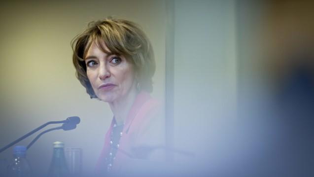 Die Gesundheitsministerin bei der Vorstellung des Berichts. (Foto: picture alliance / dpa)