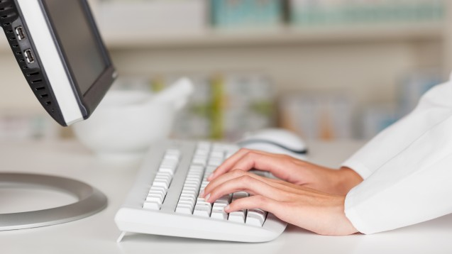 Der Informationsaustausch zwischen Leistungserbringern soll künftig sicher über E-Mail erfolgen. (c / Foto: contrastwerkstatt / AdobeStock)